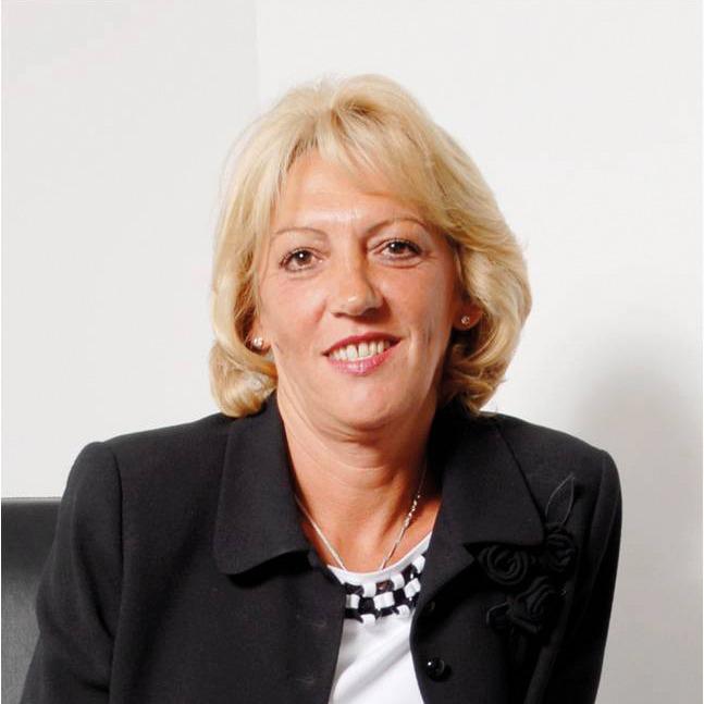 Linda Halliday